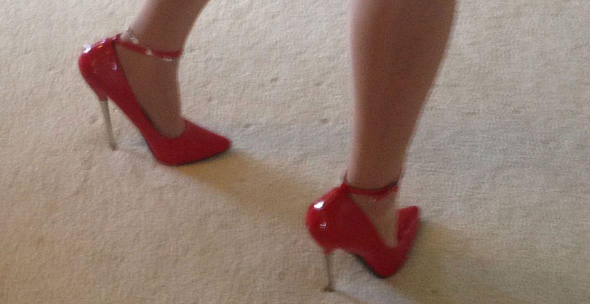legs & stilettos