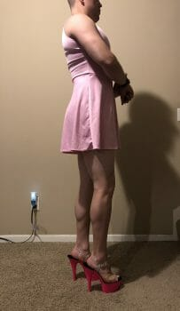 ellie does the sissy walk